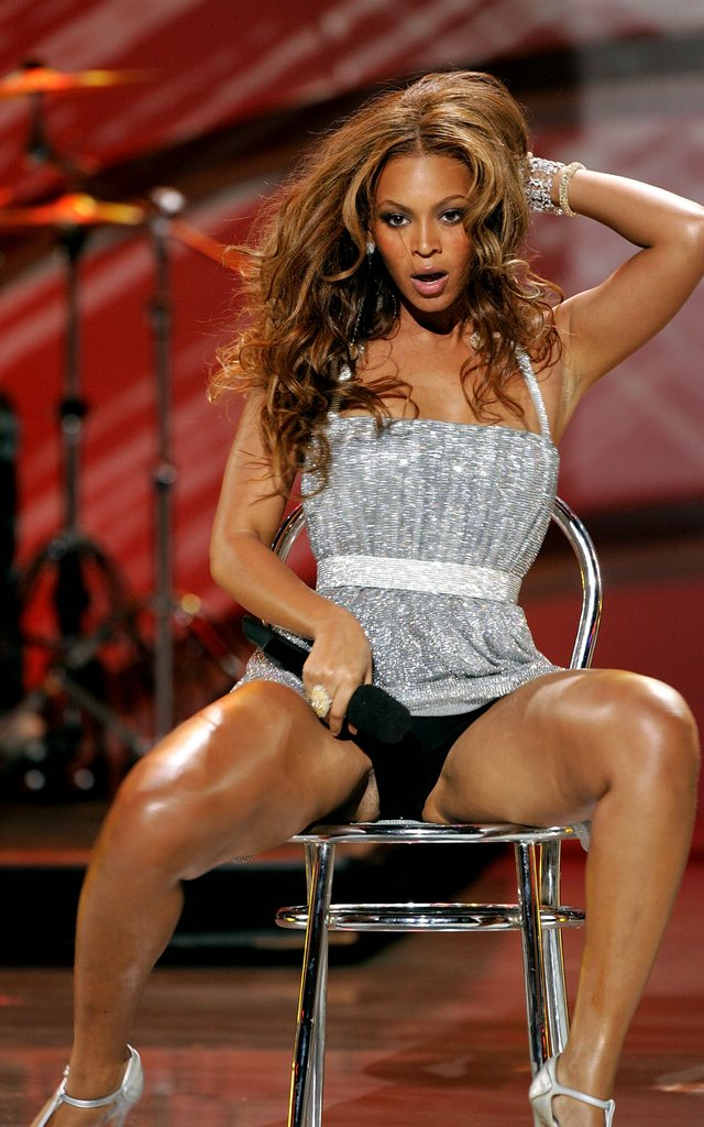 Beyonce Causes Stir At Billboard Awards