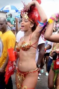 0801-rihanna-bikini-parade-29-480x720