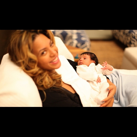 Blue Ivy First Baby Pictures
