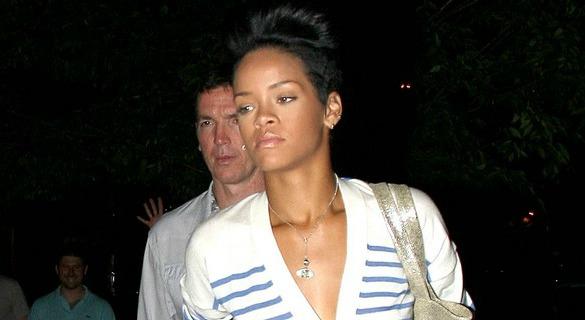 Rihanna's New Hook Up