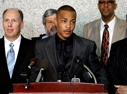Rapper T.I. Sent Back To Jail For 11 Months